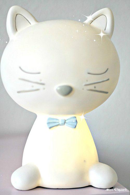 Miezekatzenlampe leuchtet