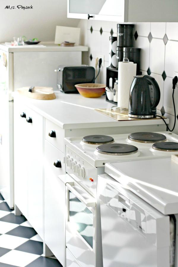 küchenzeile samt neuem Miele-Schätzchen