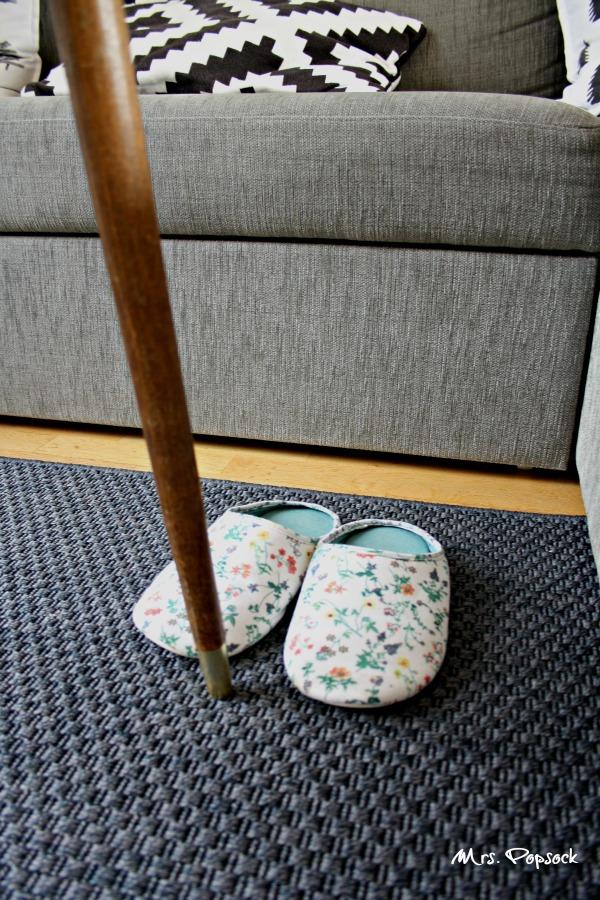 Blümchen-Hausschuhe